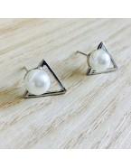 Boucles d'oreilles triangle et perle, argenté