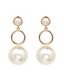 Boucles d'oreilles longues perles blanches