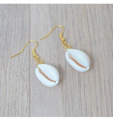 Boucles d'oreilles cauri, doré/blanc