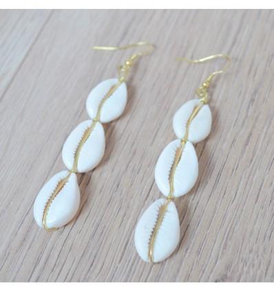 Boucles d'oreilles pendantes cauri, doré/blanc